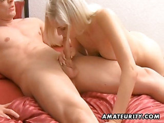 Stunning blonde amateur girlfriend sucks and fucks with facial